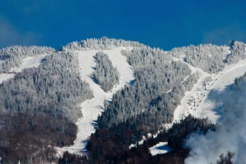 スキー「Ski runs on Mont-Tremblant in Canada」:スマホ壁紙(6)