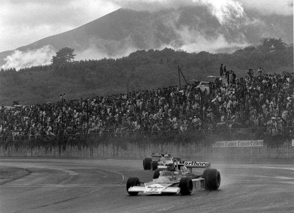 富士山「Grand Prix of Japan」:写真・画像(2)[壁紙.com]