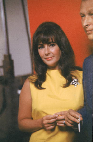 Yellow Dress「Elizabeth Taylor At Studio」:写真・画像(16)[壁紙.com]