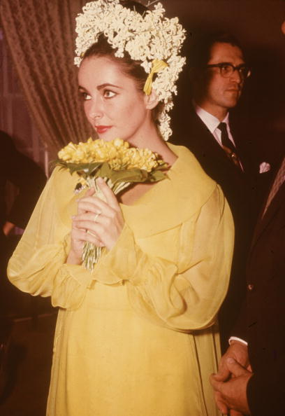 Yellow「Elizabeth Taylor's Marriage To Richard Burton」:写真・画像(5)[壁紙.com]