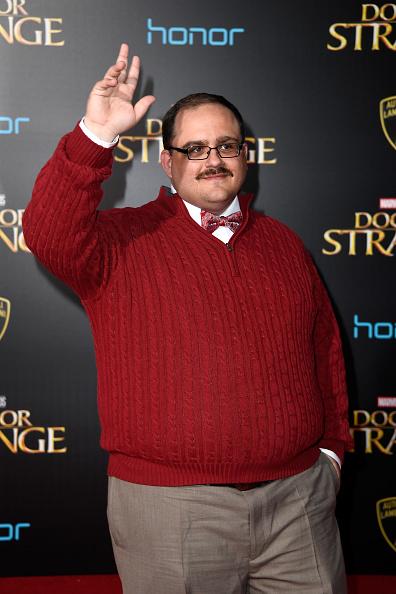 "El Capitan Theatre「Premiere Of Disney And Marvel Studios' ""Doctor Strange"" - Arrivals」:写真・画像(6)[壁紙.com]"