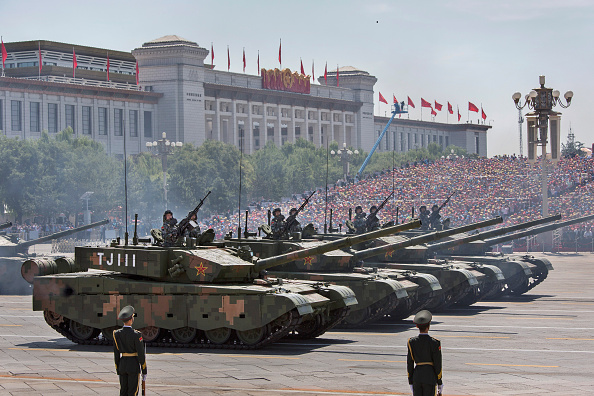 Armored Tank「China Holds Military Parade To Commemorate End Of World War II In Asia」:写真・画像(4)[壁紙.com]