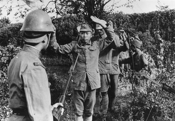 Surrendering「Military Surrender」:写真・画像(0)[壁紙.com]