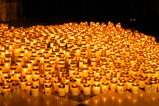 Religious Mass「Votive Candles at Memorial for Pope John Paul II」:スマホ壁紙(9)