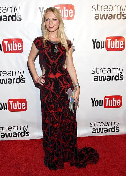 クラッチバッグ「Official Streamy Awards Nominee Reception At YouTube Space LA」:写真・画像(18)[壁紙.com]