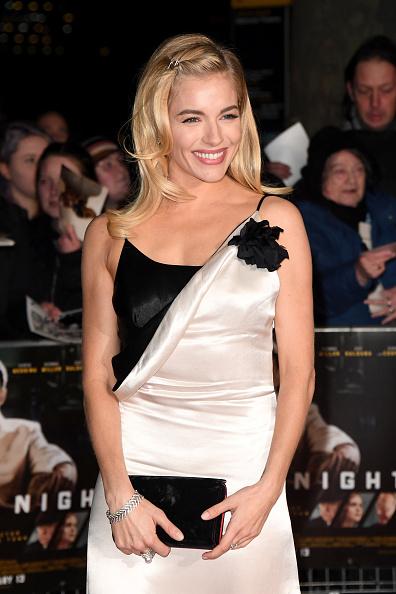 """Sienna Miller「""""Live By Night"""" - Film Premiere - Red Carpet Arrivals」:写真・画像(8)[壁紙.com]"""