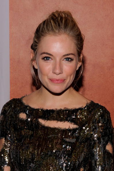 Sienna Miller「Opening Night Of ''After Miss Julie'' - After Party」:写真・画像(13)[壁紙.com]