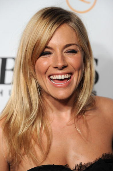 Sienna Miller「Opening Night Of The Esquire House LA - Arrivals」:写真・画像(15)[壁紙.com]