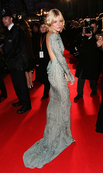 2007「Arrivals At The Orange British Academy Film Awards」:写真・画像(9)[壁紙.com]