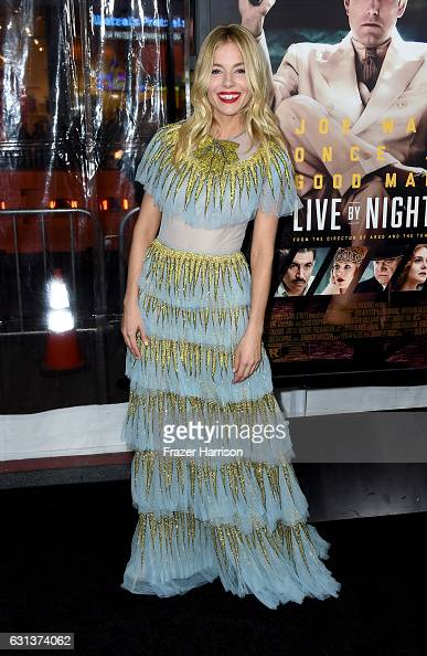 到着「Premiere Of Warner Bros. Pictures' 'Live By Night' - Arrivals」:写真・画像(12)[壁紙.com]