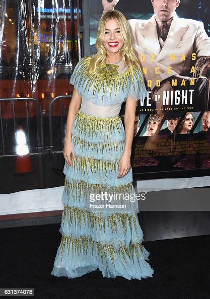 到着「Premiere Of Warner Bros. Pictures' 'Live By Night' - Arrivals」:写真・画像(11)[壁紙.com]