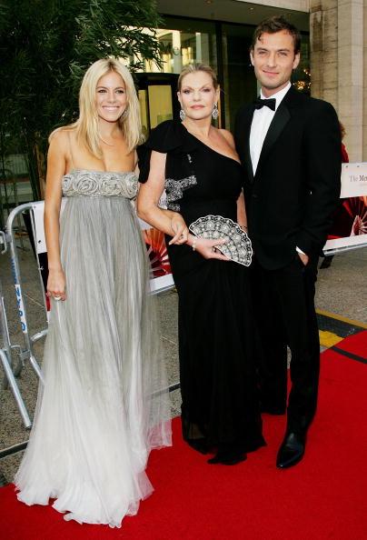 Jo Miller- South African Actress「Metropolitan Opera 2006-2007 Season Opens At Lincoln Center」:写真・画像(1)[壁紙.com]