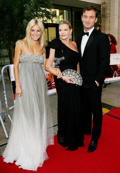 Jo Miller- South African Actress「Metropolitan Opera 2006-2007 Season Opens At Lincoln Center」:写真・画像(16)[壁紙.com]