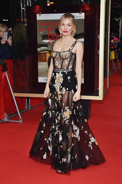 Sienna Miller「'The Lost City of Z' Premiere - 67th Berlinale International Film Festival」:写真・画像(16)[壁紙.com]