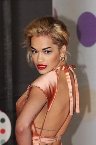 Backless「Brit Awards 2013 - Red Carpet Arrivals」:写真・画像(17)[壁紙.com]