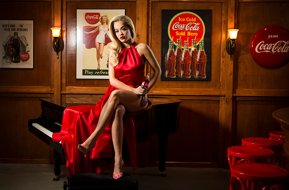 Event「Rita Ora Kicks Off Celebrations For 100th Anniversary Of The Iconic Coca-Cola Bottle At The Opening Of The Contour Centenary Bar」:写真・画像(7)[壁紙.com]