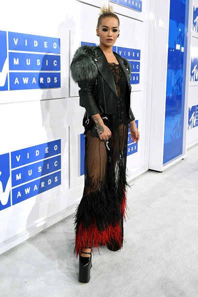 Leather Jacket「2016 MTV Video Music Awards - Red Carpet」:写真・画像(0)[壁紙.com]