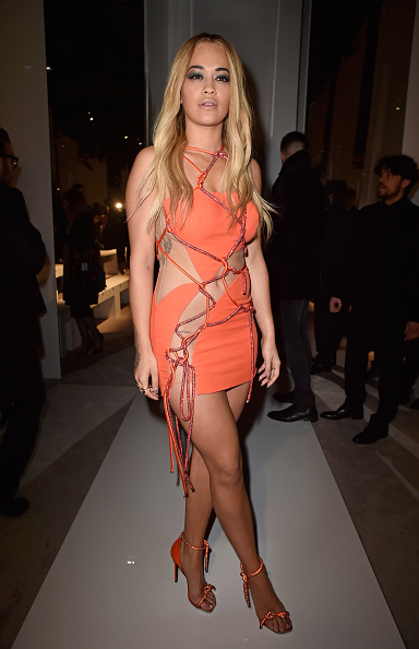 Atelier Versace「Versace : Front Row - Paris Fashion Week - Haute Couture Spring Summer 2016」:写真・画像(1)[壁紙.com]