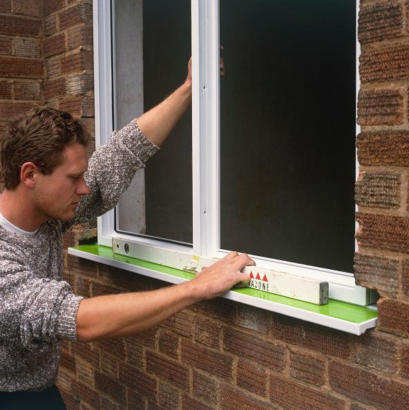 Level - Measurement Tool「Replacing a damaged window by a new double glazing UPVC window」:写真・画像(1)[壁紙.com]
