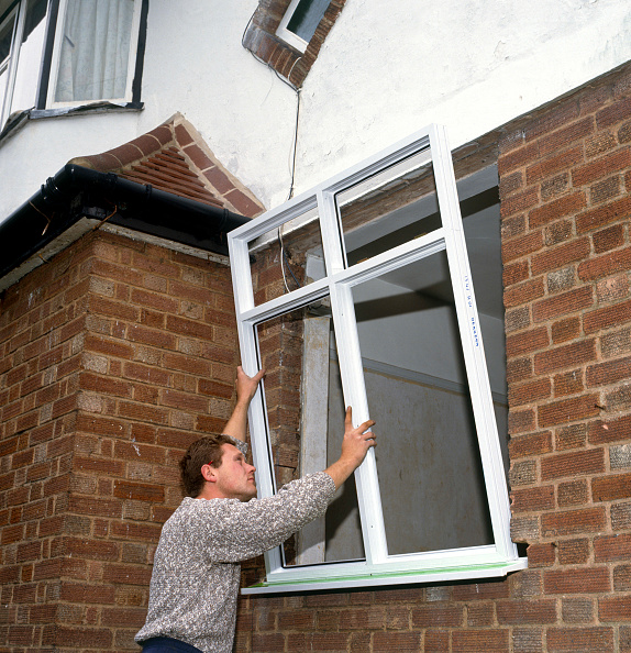 Window Sill「Replacing a damaged window by a new double glazing UPVC window」:写真・画像(10)[壁紙.com]