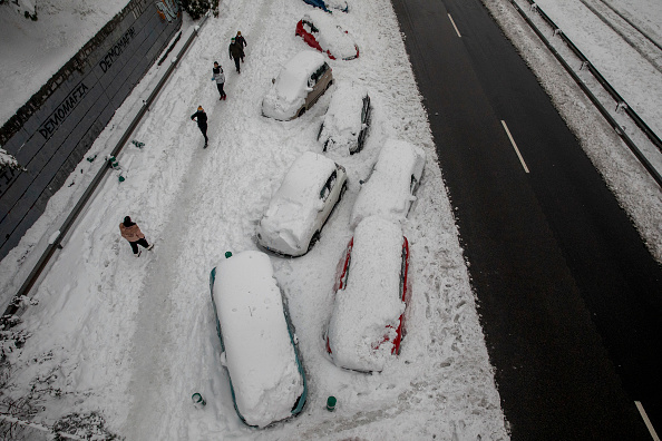 Spain「Snow Hits Madrid As Temperatures Plummet In Spain」:写真・画像(5)[壁紙.com]
