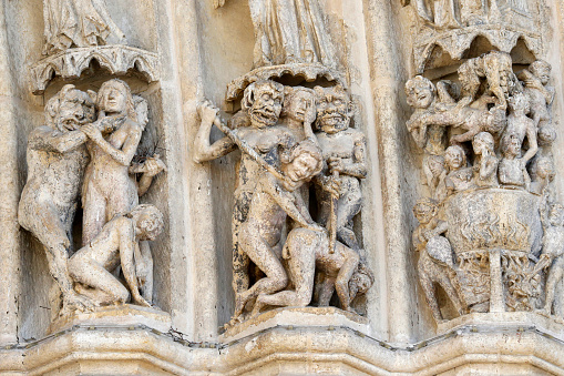 Hell「Notre-Dame d'Amiens cathedral. Western facade. The last judgement. Depiction of Hell.」:スマホ壁紙(11)