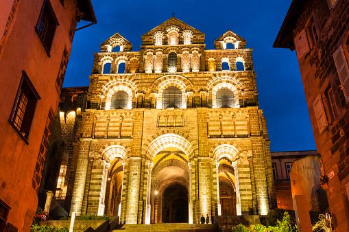 Camino De Santiago「Notre-Dame du Puy cathedral in France」:スマホ壁紙(0)