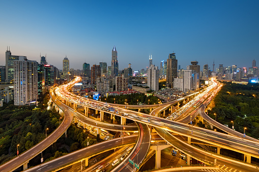 Elevated Road「Modern city with highway interchange in Shanghai, China.」:スマホ壁紙(1)