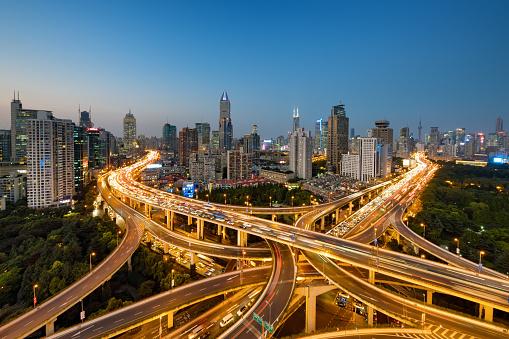 Shanghai「Modern city with highway interchange in Shanghai, China.」:スマホ壁紙(0)