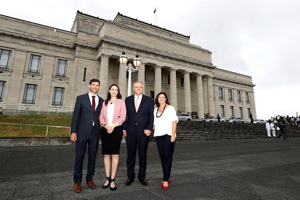 Small Group Of People「Australian Prime Minister Scott Morrison Visits Auckland」:写真・画像(11)[壁紙.com]