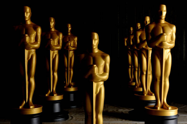 Academy Of Motion Picture Arts And Sciences' Oscar Statue Painting:ニュース(壁紙.com)