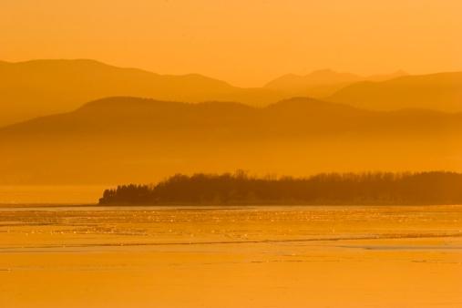 Adirondack Mountains「ゴールドの夕日」:スマホ壁紙(5)
