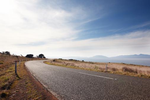 Empty Road「Open road in tasmania」:スマホ壁紙(13)