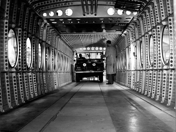 Monty Fresco「Helicopter Interior」:写真・画像(6)[壁紙.com]