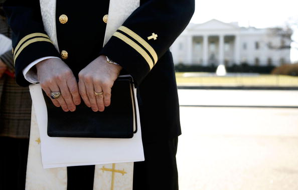 Joshua Roberts「Navy Chaplain Protests Military Prayer Rights」:写真・画像(10)[壁紙.com]