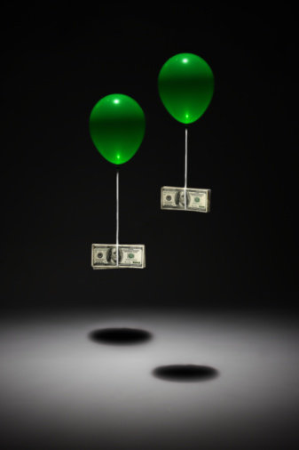 American One Hundred Dollar Bill「two ballonns carrying 100 dollar bills」:スマホ壁紙(2)