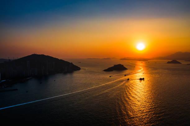 Majestic tropical sunset, Hong Kong:スマホ壁紙(壁紙.com)