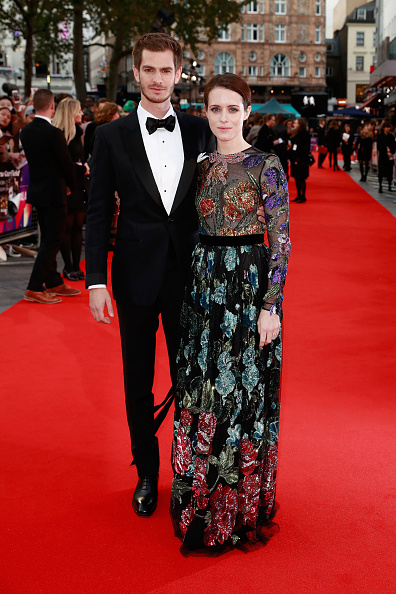 下襟「'Breathe' Opening Night Gala & European Premiere - 61st BFI London Film Festival」:写真・画像(19)[壁紙.com]