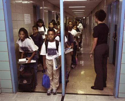 Educational Exam「Bronx School Stands Out」:写真・画像(17)[壁紙.com]