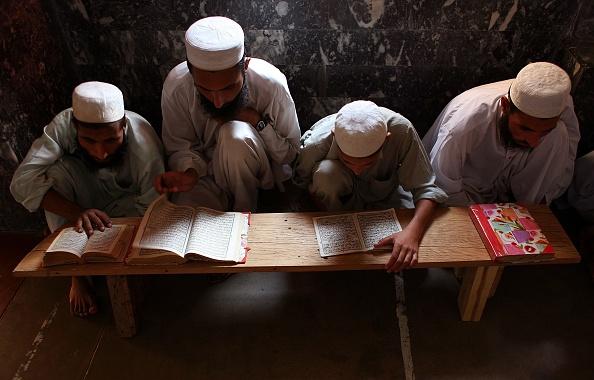 Pakistan「Students Immerse Themselves In Islamic Studies In Madrassas」:写真・画像(19)[壁紙.com]