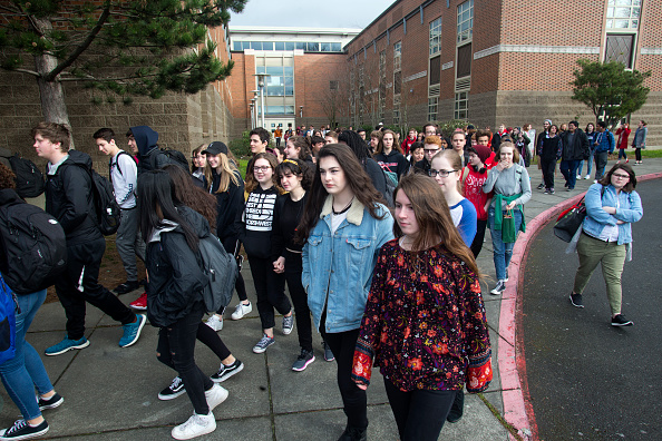 National School Walkout「Across U.S., Students Walk Out Of Schools To Address School Safety And Gun Violence」:写真・画像(18)[壁紙.com]