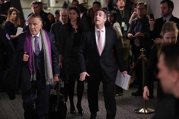 Paying「Former Trump Lawyer Michael Cohen Appears Before Closed Senate Intelligence Committee」:写真・画像(15)[壁紙.com]