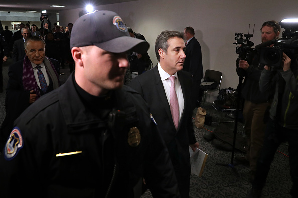 Paying「Former Trump Lawyer Michael Cohen Appears Before Closed Senate Intelligence Committee」:写真・画像(19)[壁紙.com]