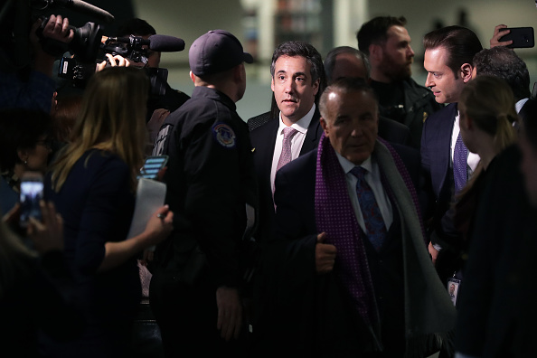 Paying「Former Trump Lawyer Michael Cohen Appears Before Closed Senate Intelligence Committee」:写真・画像(18)[壁紙.com]