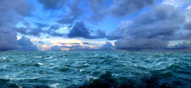 Seascape「storm」:スマホ壁紙(5)