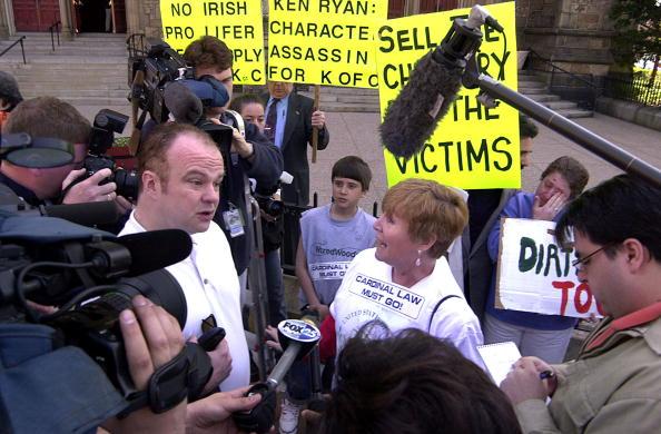 Brian Cardinal「Catholic Church Confrontation」:写真・画像(5)[壁紙.com]