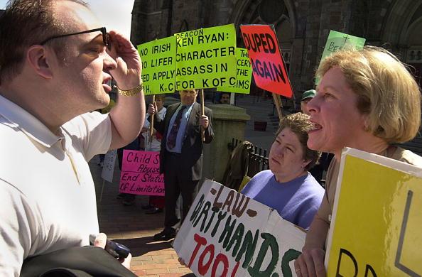 Brian Cardinal「Catholic Church Confrontation」:写真・画像(4)[壁紙.com]