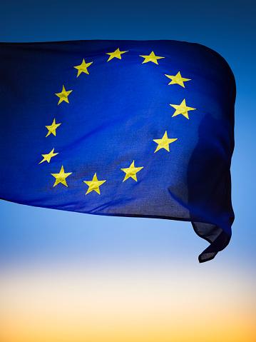Moody Sky「European Union Flag」:スマホ壁紙(8)