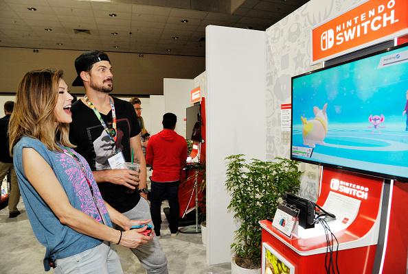Pokémon Shield「Nintendo Demos New Titles For Nintendo Switch For Celebrities At 2019 E3 Gaming Convention」:写真・画像(4)[壁紙.com]