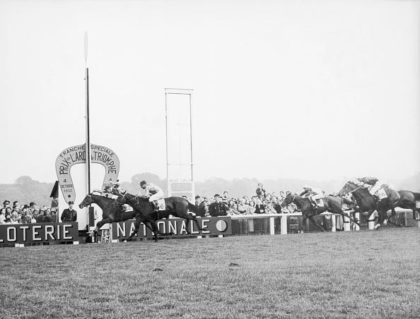Sports Track「Prix De L'Arc De Triomphe」:写真・画像(8)[壁紙.com]